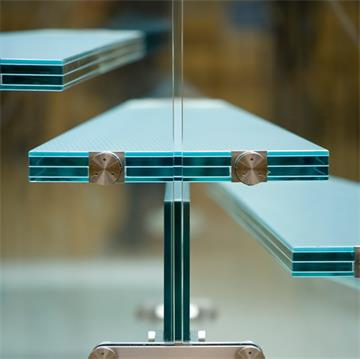 Glass Staircase-SGP laminated
