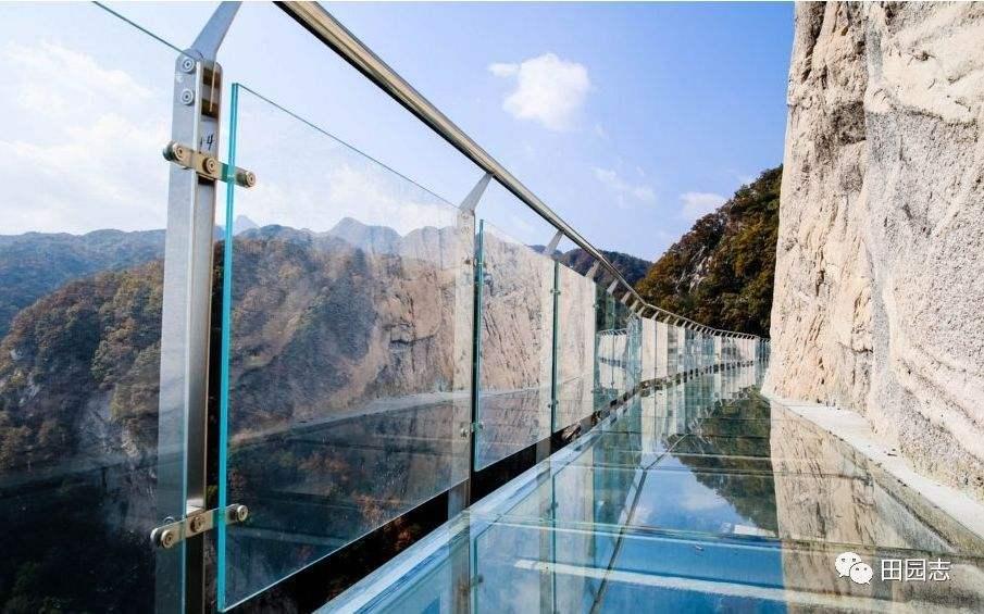 glass-staircase,glass-bridge-supplier