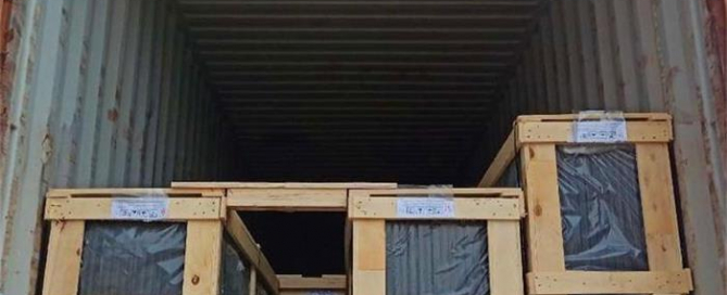 INSULATED GLASS WOOD PACKING &LOADING IN CONTAINER